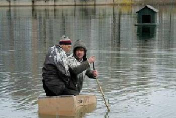 "Bildunterschrift: ""Verrückte Rettung"" (Sumasšedšaja pomošc), Russland 2009, Regie: Boris Chlebnikov"